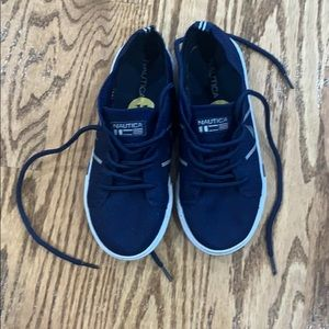 Nautica shoes kids size 11 Very good condition